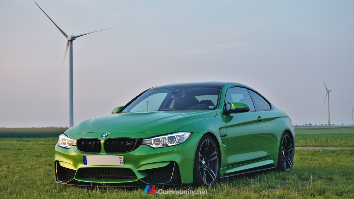BMW M4 in Java Green